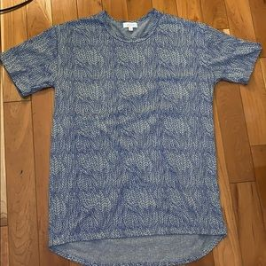EUC Lularoe Blue Feather Patrick Tee
